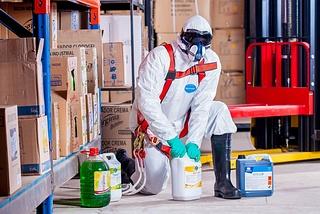 Schutzkleidung Chemiearbeiter